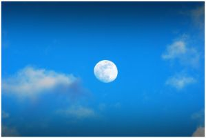 Daytime Moon 2 by ospr
