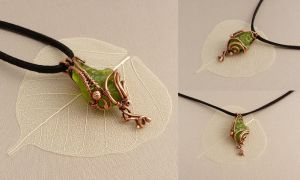 Pendant with Peridot by UrsulaOT