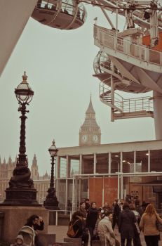 Tourists view of London by angelimagine