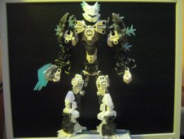 Bionicle MOC: Toa Darkbright(revamped) by TheAxelandx1