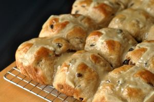 Hot Cross Buns by MailleQueen