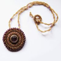 Rani embroidered necklace with amethyst by Sol89