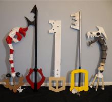 Assorted keyblades by CosplayGearHouse