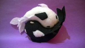 Tui and La (Ying and Yang plushie) by abc-do-re-mi123