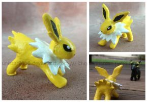 Jolteon Sculpture by unistar2000