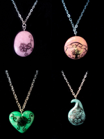Polymer clay+pen jewelry by EllaBaras