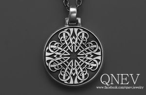 Pendant/silver by QneV-jewelry