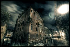 Night-walk in Venice by zardo