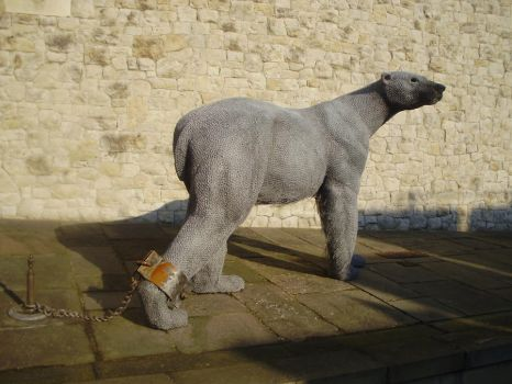Tower of London- Wire Bear by SenretsuShou