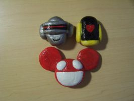 Daft punk and Deadmau5 magnets by GingaAkam