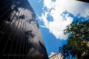 Sky in a skyscraper by frayphoto