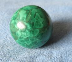 Malachite Ball 1b by Kattvinge