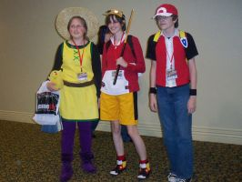 Yellow, Gold, and Red Cosplayers OMG 2010 by Latee-Hatori