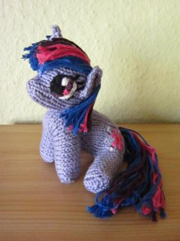 Knitted Plushie - Twilight ver.2 by haselwoelfchen