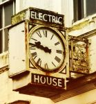 electric house by caithuniverse