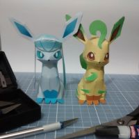 Pokemon Papercraft - Glaceon and Leafeon by DenisSensei
