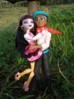 MH Picnic-Draculaura and Clawd by Bj-Lydia