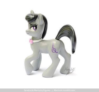 Octavia Melody sculpture by MerionMinor