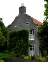 Smiling House. by Julie-xxx