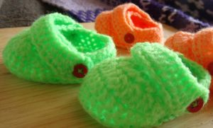 Crochet baby crocs by Craftcove
