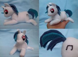 Vinyl Scratch Plush by Miiroku