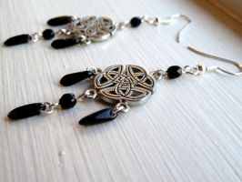 Black Celtic Knot Earrings by Lincey