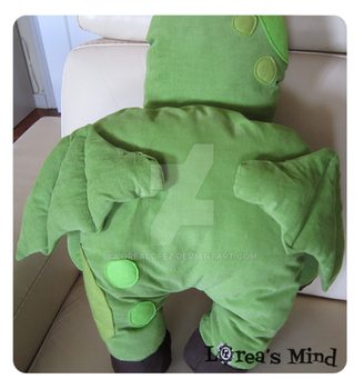 Cuddly Cthulhu!! with cultist. -Back- by LoreaLopez