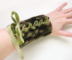 Crocheted Wood Elf Bracers by merigreenleaf