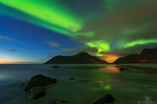 Blaze in the Northern Sky by JanPusdrowski