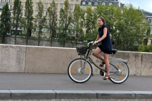 paseo parisino by charlieest