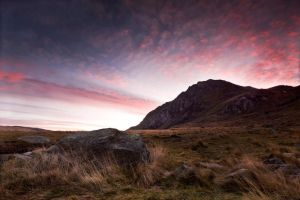 Llyn Idwal Sunrise 2 by CharmingPhotography