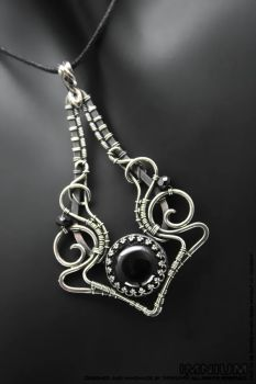 Black onyx and spinel pendant by IMNIUM