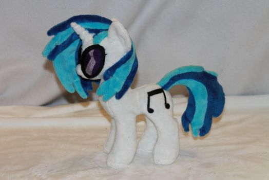 Tiny DJ Pony Plush by KarasuNezumi