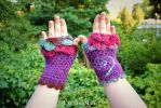 Fushia, purple and bleu mittens with leaves by MademoiselleOrtie