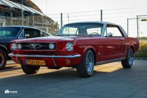 RED Mustang - front by GregKmk
