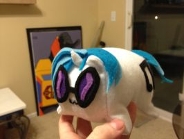 Vinyl Scratch Pon-3 loaf by Girisrad