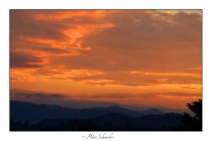 The sky is glow. by Phototubby