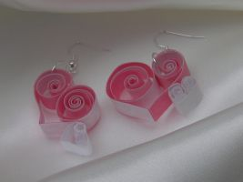 Cute Pale Pink Quilled Heart Earrings by cunningcatcrafts