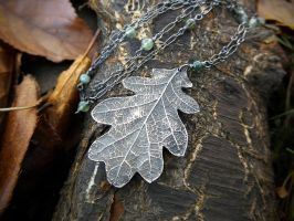 Oak and Moss Agate Necklace by QuintessentialArts