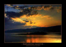 Exploding light II - HDR by sxy447