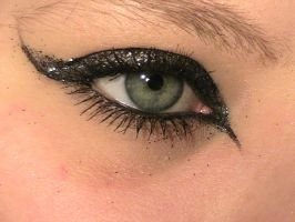 Black Glitter Eye3 by The-Dragoness