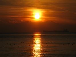 A sunset in Thessaloniki by artlilac