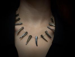 necklace - gothic blac claws by Sizhiven