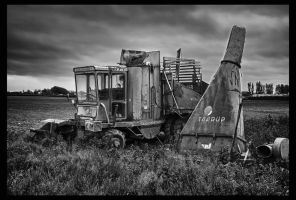Old picker HDR by woody1981