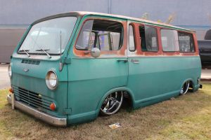 Rusty Chevy Van by DrivenByChaos