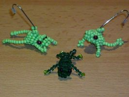 Bead-frogs by Master-Kankuro
