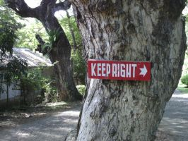 Keep Right by marineia
