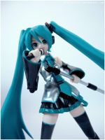 Singing Miku by red1justice