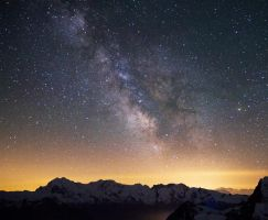 Milky Way above some 4000 by Arafinwearcamenel