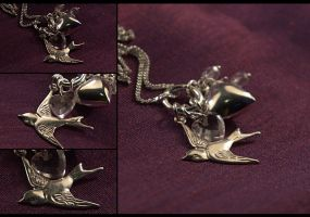 Sparrow Heart Necklace by hrekkjavakaastarkort